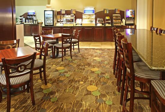Marshall, TX: Breakfast Area