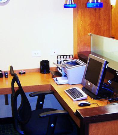 Kodak, TN: Business Center