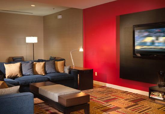 Denton, Teksas: Lobby Home Theatre