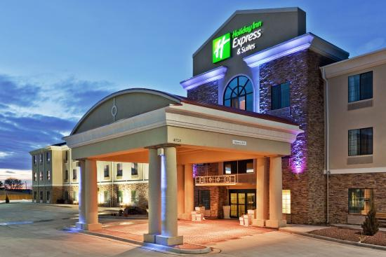 Holiday Inn Express Hotel & Suites Clovis : Hotel Exterior