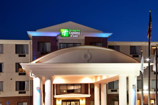 Holiday Inn Express Hotel & Suites Biloxi- Ocean Springs: Holiday Inn Express Ocean Springs near Pascagoula Shipyard