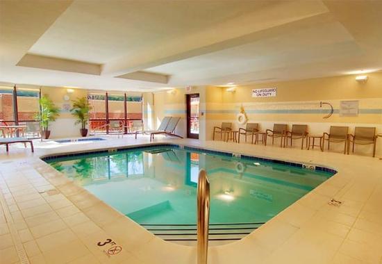 Courtyard by Marriott Richmond North/Glen Allen : Indoor Pool & Spa