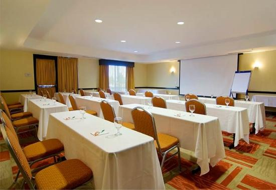 Courtyard by Marriott Richmond North/Glen Allen : Meeting Room – Classroom Setup