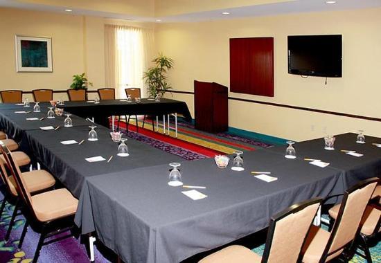 West Des Moines, IA: Meeting Room - U-Shape Style