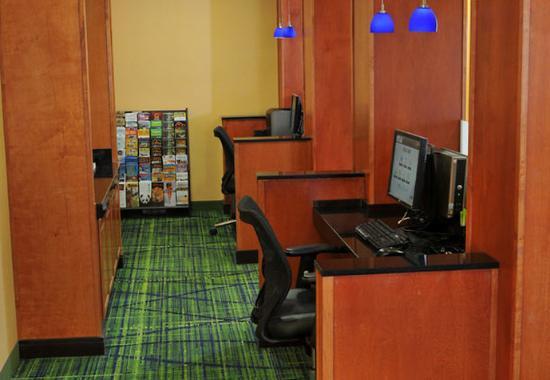 Clovis, CA: Business Center