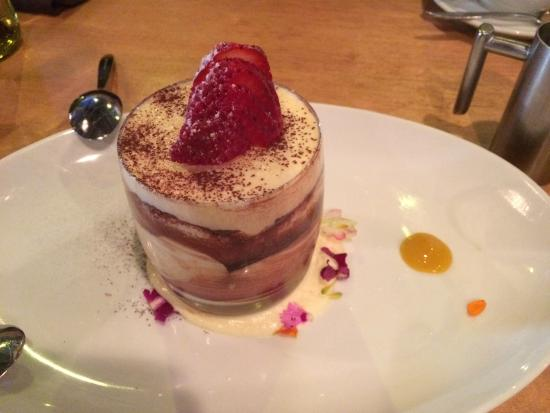 Solana Beach, Californie : Tiramisu. sufficient for two to share