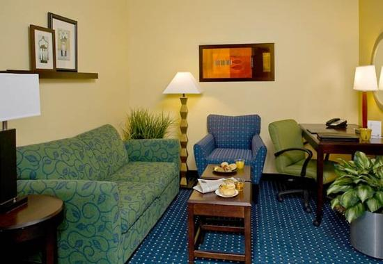 New Bern, NC: Guest Suite Sitting Area