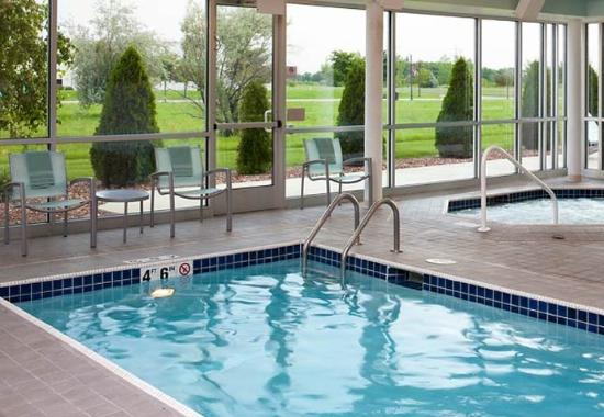 Saginaw, MI : Indoor Pool & Whirlpool