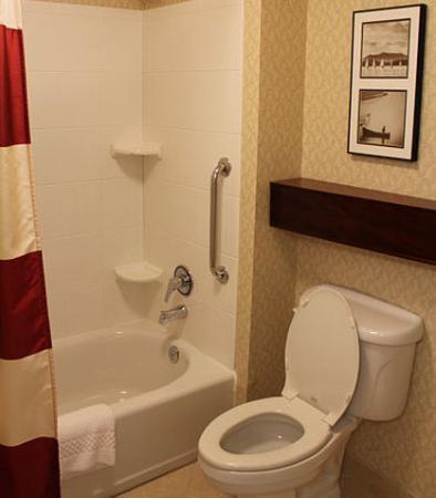 Waynesboro, VA: Guest Bathroom