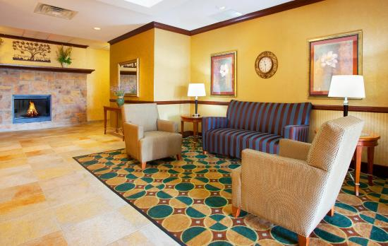 Morris, IL: Hotel Lobby
