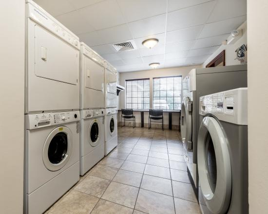 Staybridge Suites Gulf Shores: Laundry Facility located on site for your convenience