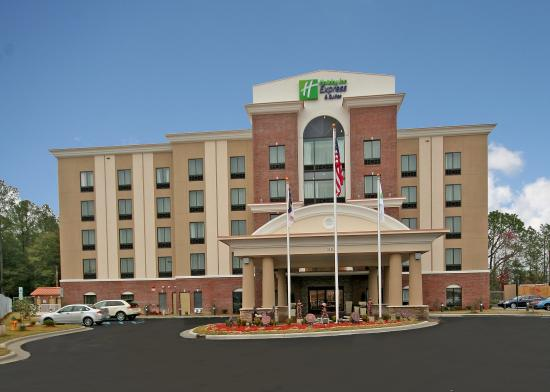 Photo of Holiday Inn Express Hotel & Suites Hope Mills