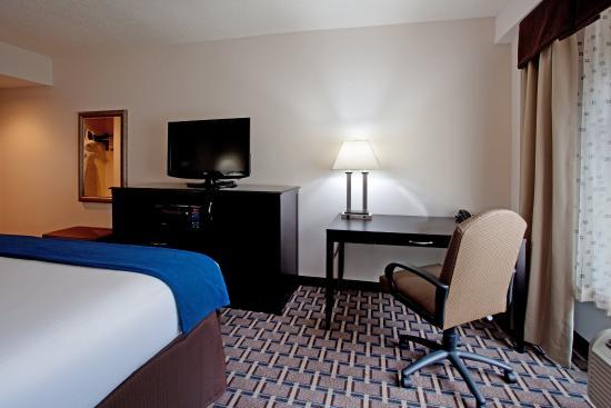 Holiday Inn Express Hope Mills near Fort Bragg NC