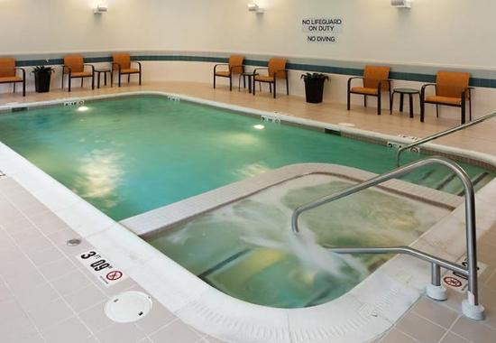 Fredericksburg, VA: Indoor Pool & Spa