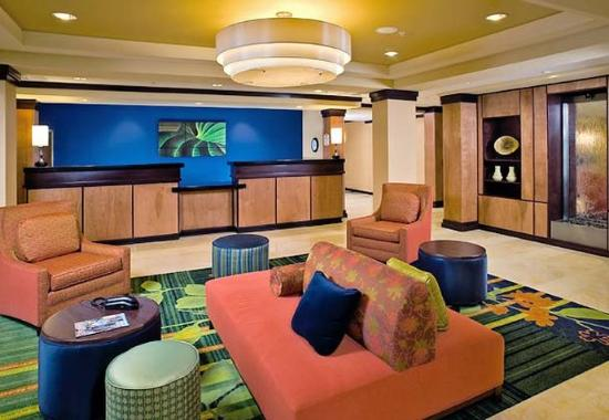Fairfield Inn & Suites Texarkana: Lobby