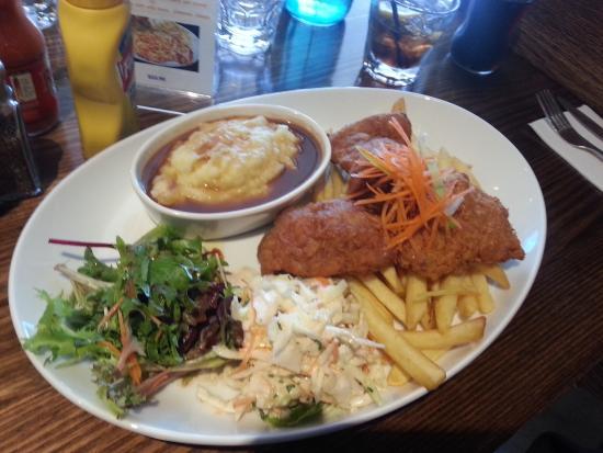 Frankston, Australia: Friend Chicken and Mash