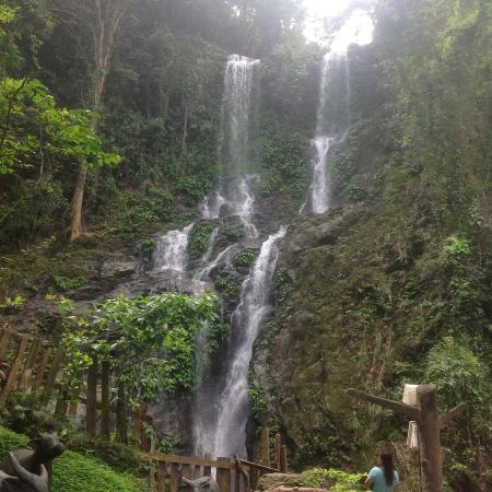 Tamaraw Waterfalls : The falls