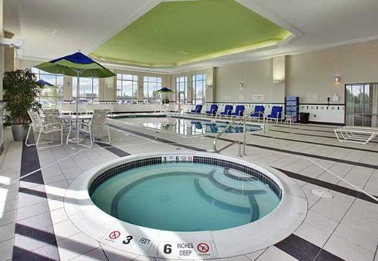 Fairfield Inn & Suites Buffalo Airport: Indoor Spa