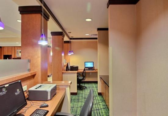 Oak Creek, WI: Business Center