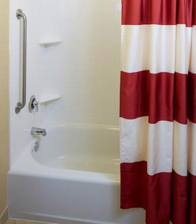 Lake Mary, Φλόριντα: Suite Bathroom - Tub/Shower Combination