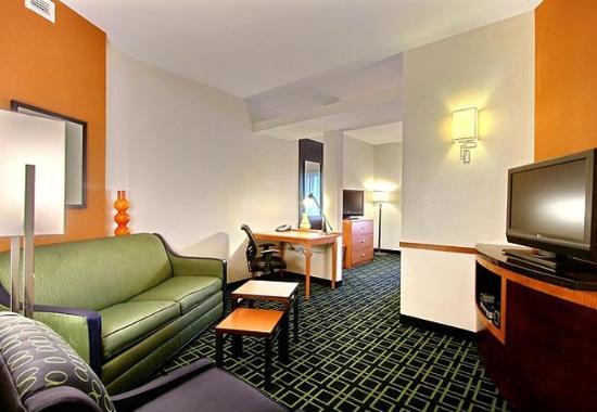 Augusta, GA: King Suite Living Area