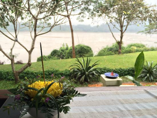 Mekong Estate: Even on a rainy cold day it is so peaceful and beautiful here...