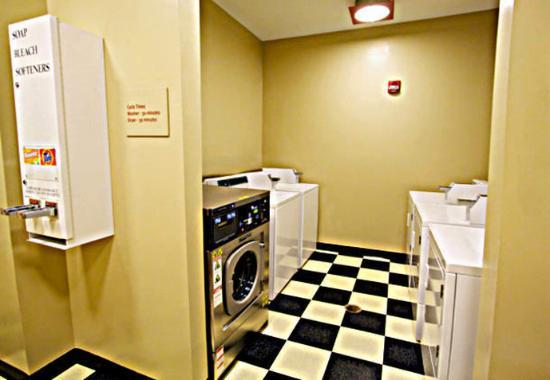 Goodyear, Arizona: Guest Laundry Facilities