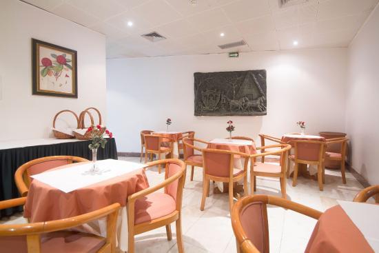 Do Centro Hotel: Restaurant