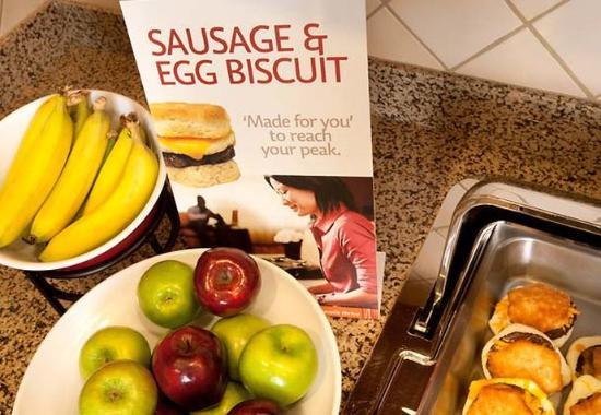Waldorf, MD: Breakfast Buffet