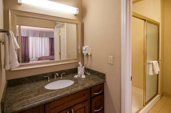 Covington, LA: Guest Bathroom