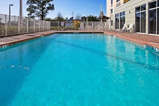 Palm Bay, FL: Heated Swimming Pool and Hot Tub