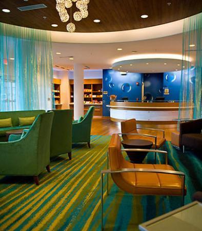SpringHill Suites Harrisburg Hershey: Front Desk