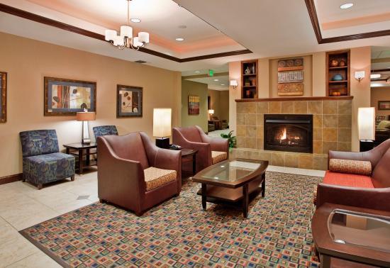 Pittsburg, KS: Hotel Lobby