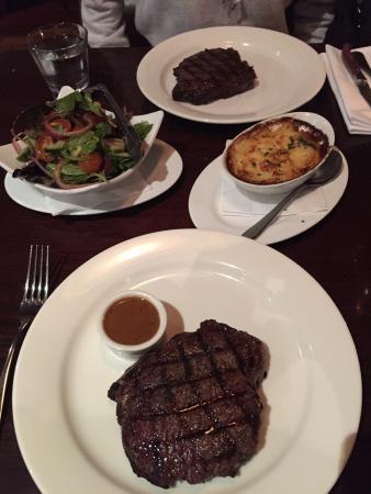 Kingsleys Steak & Crabhouse: photo2.jpg
