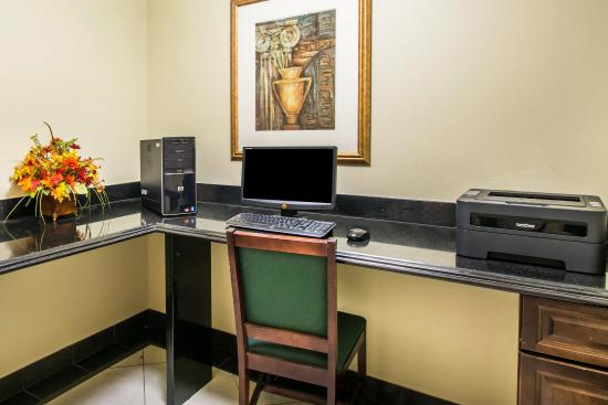 Sleep Inn & Suites - Jacksonville: Computer