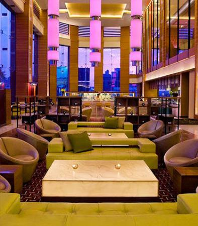 Courtyard by Marriott, Ahmedabad: Lobby Seating Area