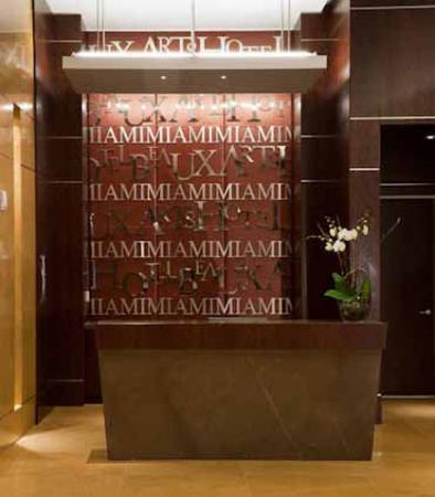 Hotel Beaux Arts Miami: Front Desk