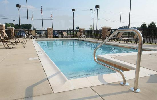 Hampton Inn Gadsden / Attalla: Outdoor Pool