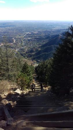 มานิโตสปริงส์, โคโลราโด: The spectacular view from just below the top of the incline...catching my breath.