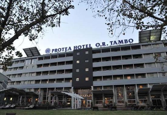 Protea Hotel O.R. Tambo Airport: Entrance
