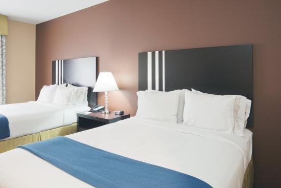 Colombia, TN: Queen Bed Guest Room