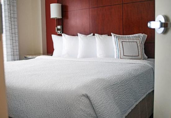 Aberdeen, MD: One-Bedroom Suite - Sleeping Area