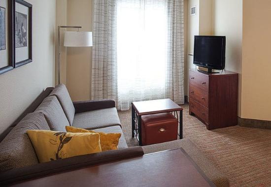 Aberdeen, MD: One-Bedroom Suite