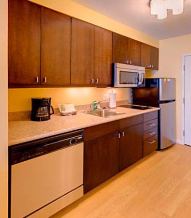 Orem, Юта: Suite Kitchen