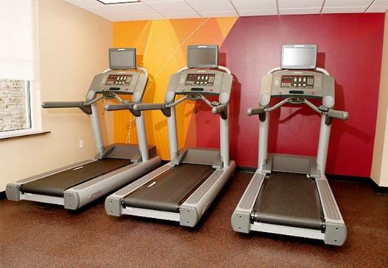 Katy, TX: Fitness Center – Treadmills