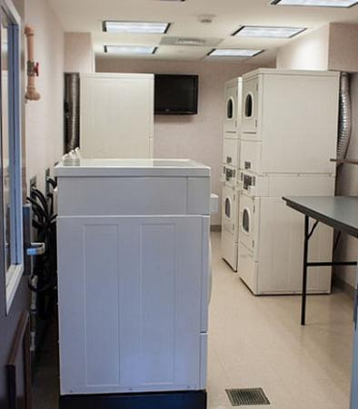 Chester, VA: Guest Laundry Facilities