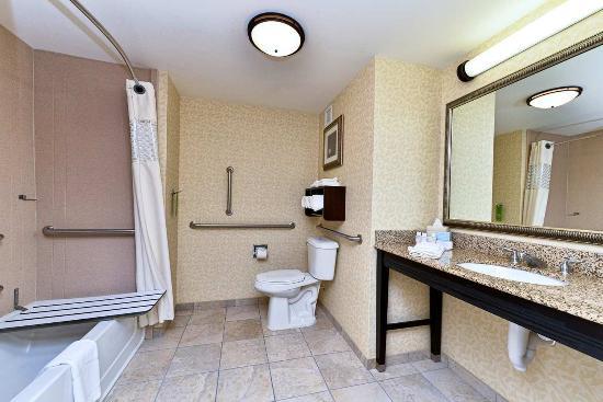 Ellsworth, ME: Accessible Bathroom with Tub