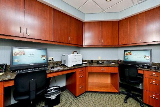 Ellsworth, ME: Business Center