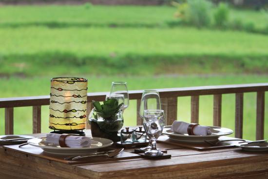 Kenderan, Indonesia: Table set up