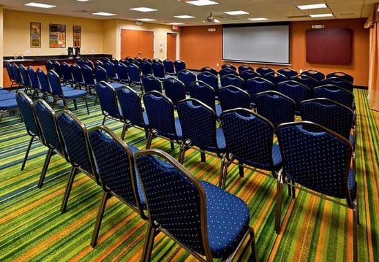 Fairfield Inn & Suites Charlotte Matthews: Meeting Room